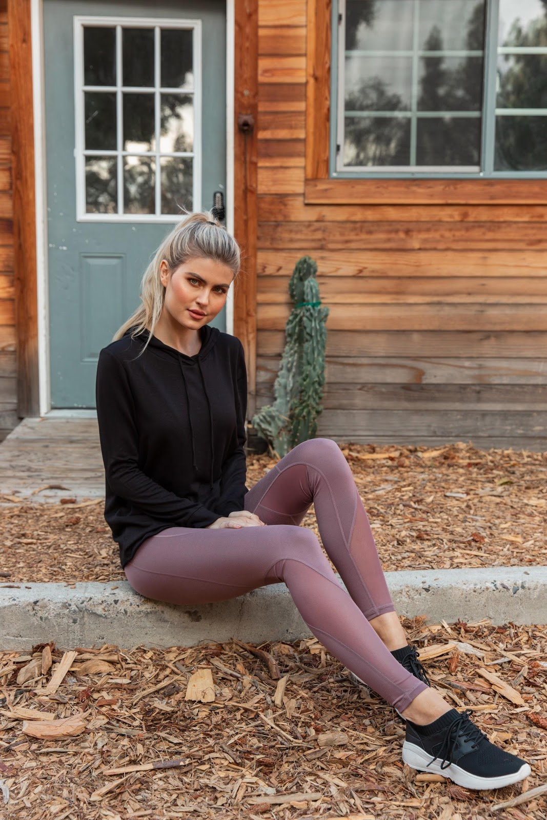 Mauve Mesh Accent Active Leggings